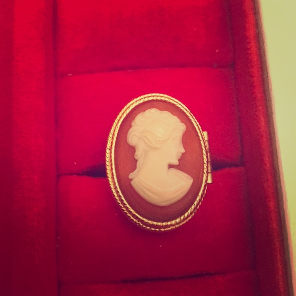 Avon Jewelry | Vintage Poison Ring With Cameo Never Worn